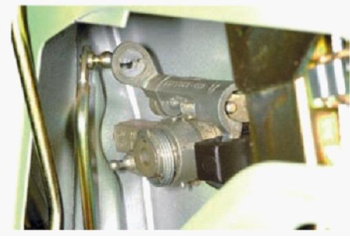 020715 1930 5 - Электропривод замка двери калина